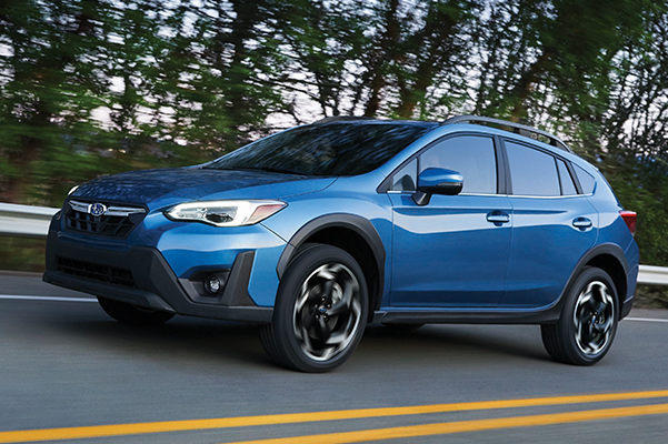 2021 Subaru Crosstrek Limited HORIZON BLUE OUTDOOR FRONT 3/4 ROAD