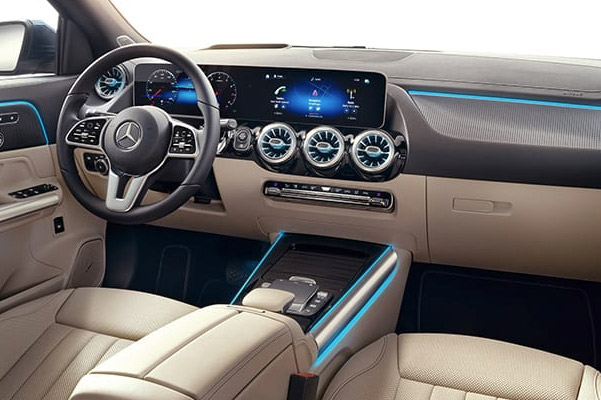 tan color interior view of the Mercedes-Benz GLA
