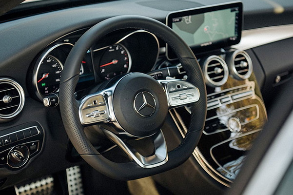 2020 Mercedes-Benz Interior & Technology