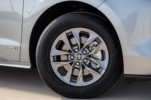 close up of 2021 toyota sienna van tim and tire