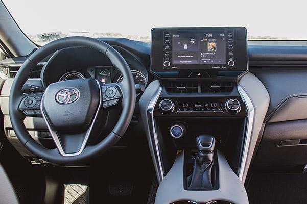 2021 Toyota Venza innterior display